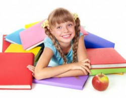 девочка с книгами