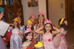Короны на головах у настоящих принцесс